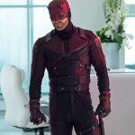 Бывший шоураннер «Сорвиголовы» Стивен Денайт приобрёл на аукционе костюм главного героя