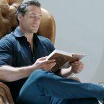 Идеальная экранизация «Ведьмака»: Генри Кавилл читает роман-первоисточник