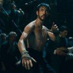 Cinemax показал свежие кадры из «Воина» и «Банд Лондона» Гарета Эванса в сборном трейлере сериалов 2020 года